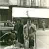 1958. Mari, Pili, Candy y en el carrito . . .